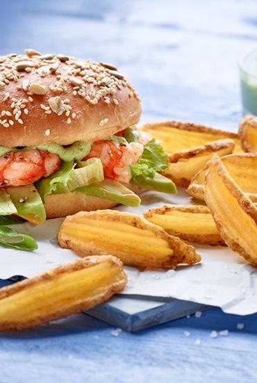Dressage d'un burger avec des frites McCain Bistro Style